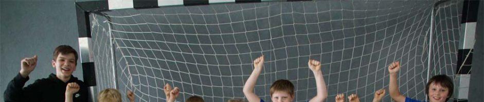 Neue Trikots für Handballer